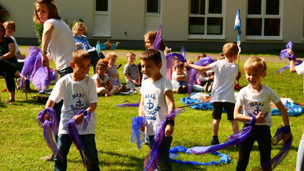 Kinder beim Tanzen